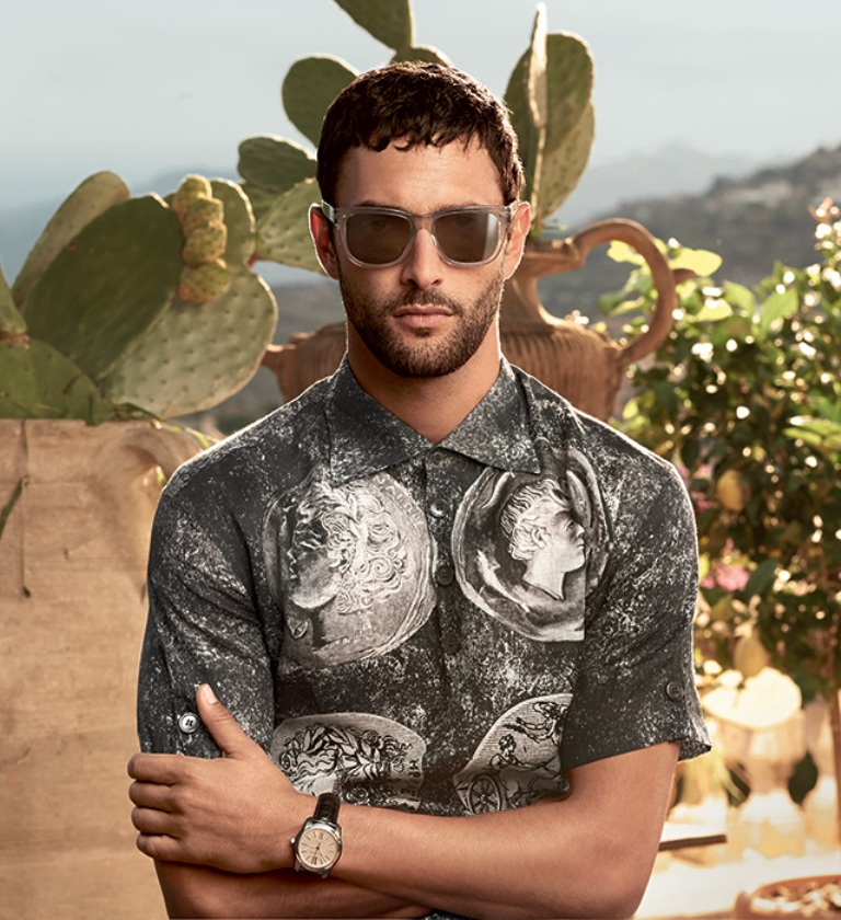 dolce-gabbana-adv-sunglasses-campaign-ss-2014-men-05-slider10 +25 Hottest Men's Glasses Trends Coming in 2019