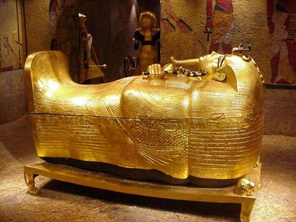 dsc01455-12 39 Most Famous Pharaohs Gold Statues