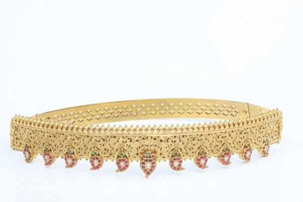 gold-vaddiyanam-waist-belt-ckchetty-jewellers-mango-design4-1 Three Accessories That Brides Shouldn't Skip
