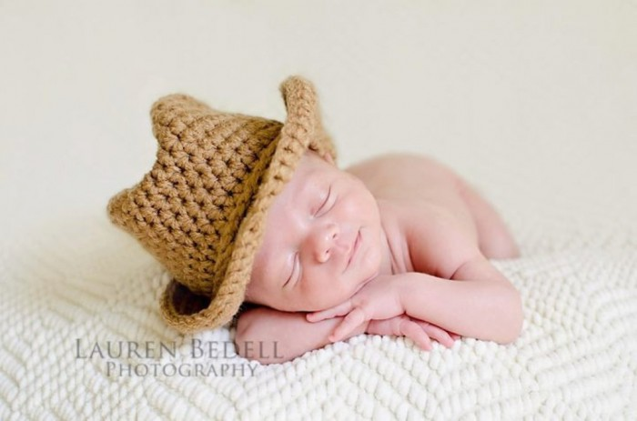 il_fullxfull.371835564_o7n2 20 Marvelous & Catchy Crochet Hats for Newborn babies