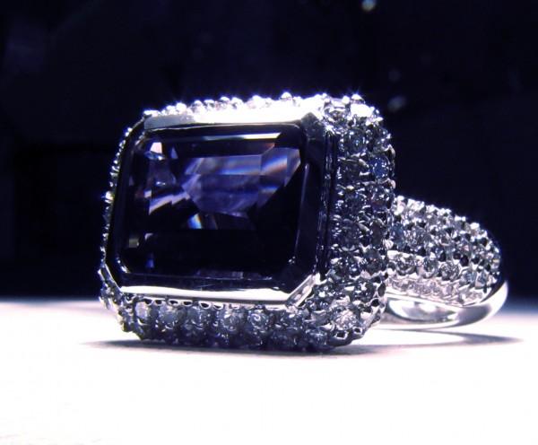 iolitering2 Iolite stone [11 Hidden Secrets and Facts...]