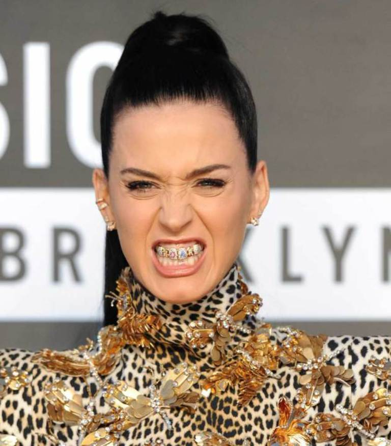 katy-perry-grills Top 10 Worst Fashion Trends & Fads To Avoid in 2019