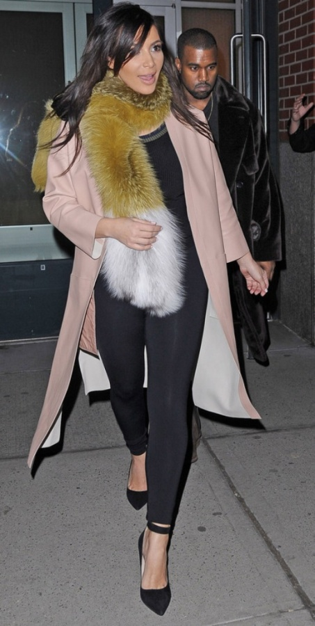 kim-kardashian-wearing-fur-fox-fur-scarf-stole-celebrities-wearing-fur 10 Elegant Scarf Trend Forecast for Fall & Winter 2020