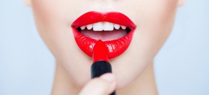lipstick The 20 Most Common Fashion Trends & Fads in 1920's