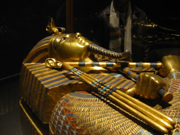 mus3 39 Most Famous Pharaohs Gold Statues