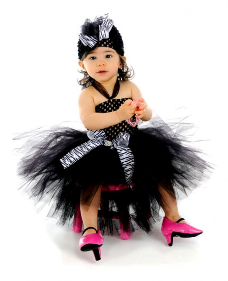 poshzebra 25 Magnificent & Dazzling Collection of Crochet Dresses for Baby Girls