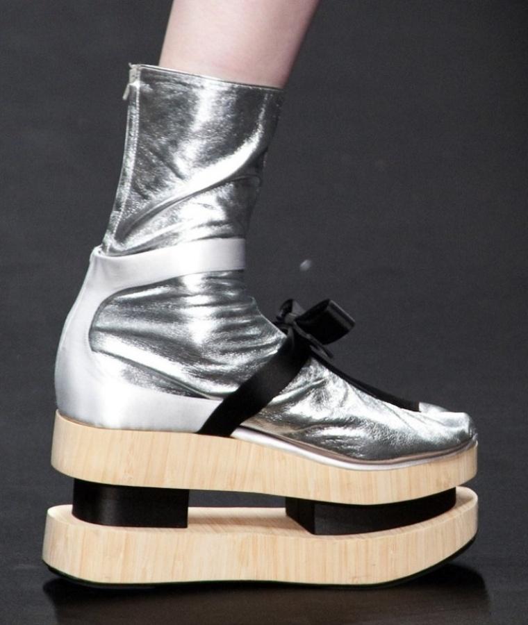 pradaspring2013details0onprkg2oorx Top 10 Worst Fashion Trends & Fads To Avoid in 2020