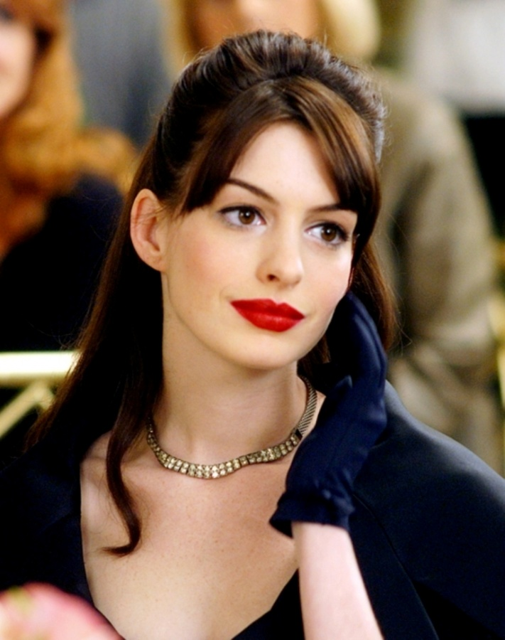 red-lipstick-anne-hathaway-makeup-680 The 20 Most Common Fashion Trends & Fads in 1920's