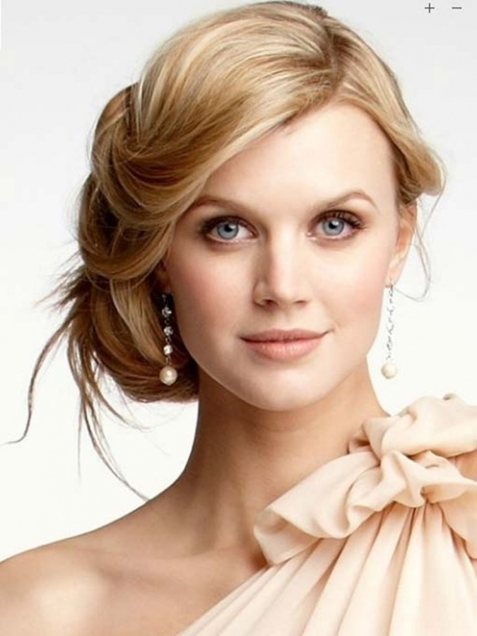 side-updo-hairstyles-for-weddings 25+ Hottest Women's Hairstyle trends Coming Back