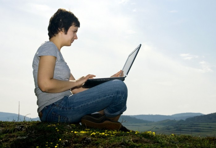 woman-working-outside Top 7 Ideas in Global Employee Engagement