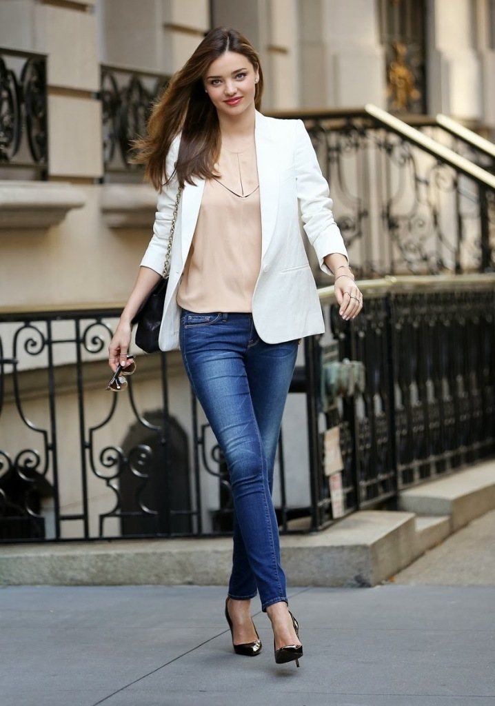 01-denim-minded-miranda-kerr_182703915348.jpg_gallery_max Top 10 Celebrity Casual Fashion Trends for 2019