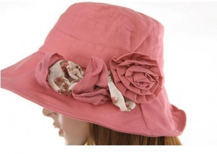 949626522_552 10 Hottest Women's Hat Trends for Summer