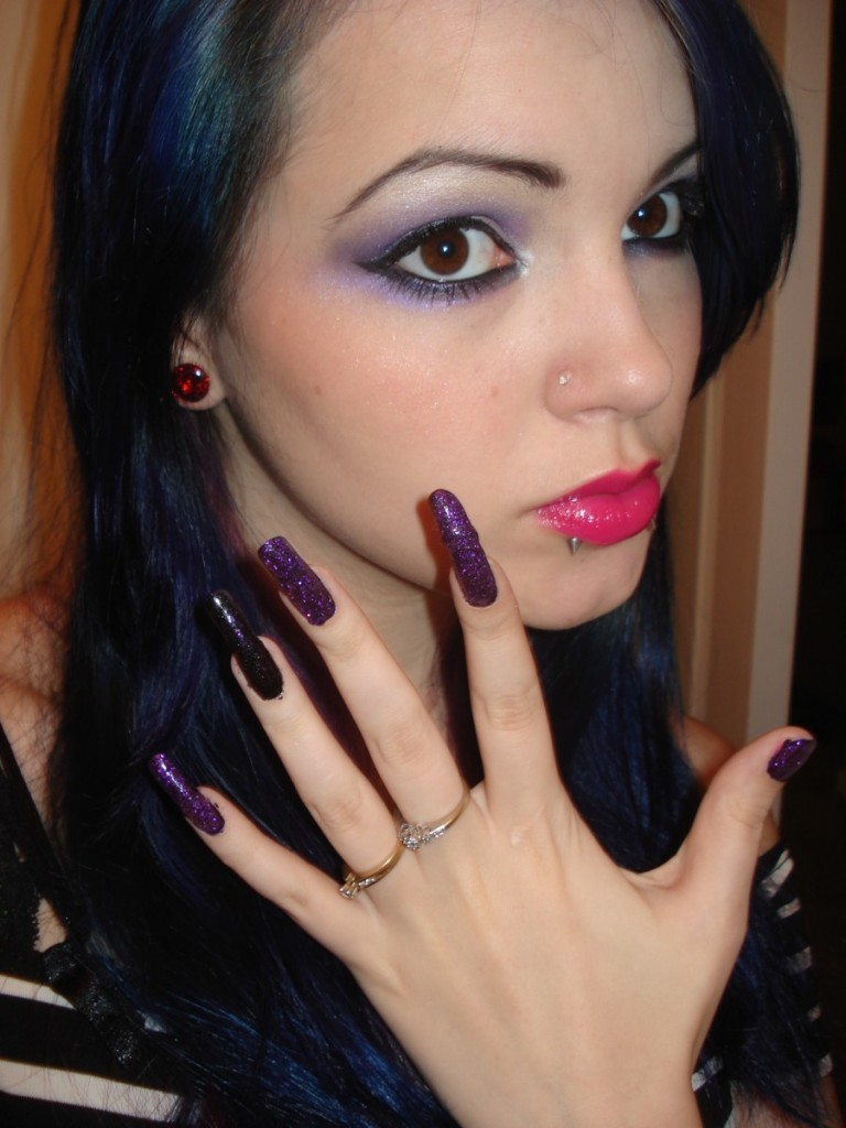 Brigeyboo_September_2009_by_longnails Top 15 Beauty Trends that Men Hate
