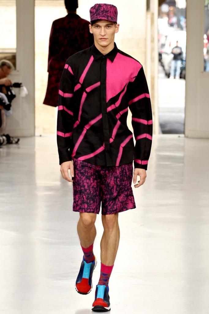 Issey-Miyake-Spring-Summer-2014-Trends-For-Men-32 Top 10 Hottest Men's Color Trends for 2019
