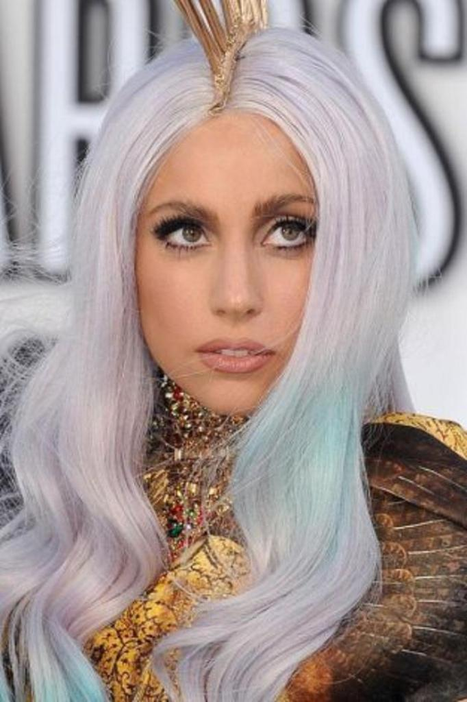 Lady-gags-280 20 Weird and Funny Celebrity Hairstyles