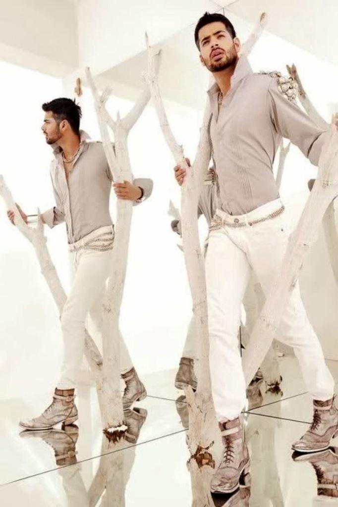 Men's-formal-dresses-2014-Smartest-People-8 Top 10 Hottest Men's Color Trends