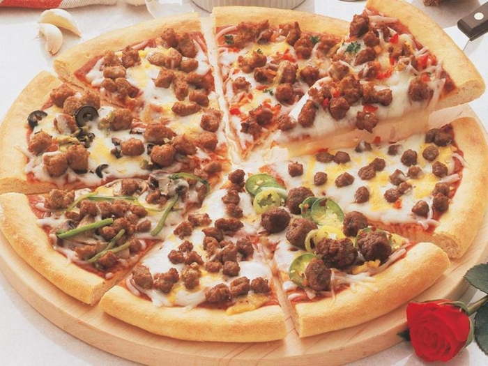 Pizza_in_lakewood_sausage_4 15 Healthiest Food Trends You Must Follow in 2020