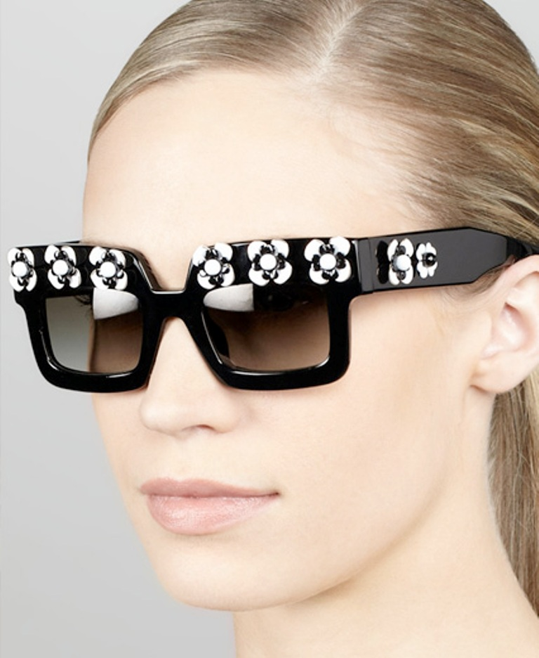 Prada_Flower_Square_Sunglasses_online Latest 15 Spring and Summer Accessories Fashion Trends