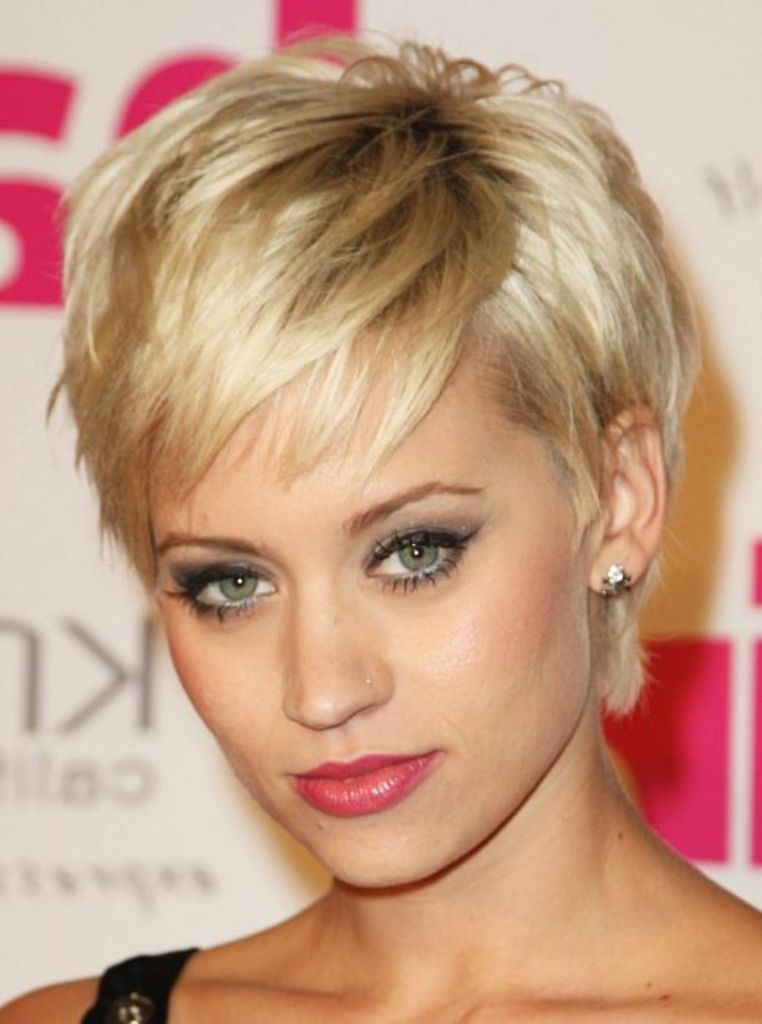 Short-Hairstyles-For-Women-Face-Shape 25+ Short Hair Trends for Round Faces Chosen for 2019