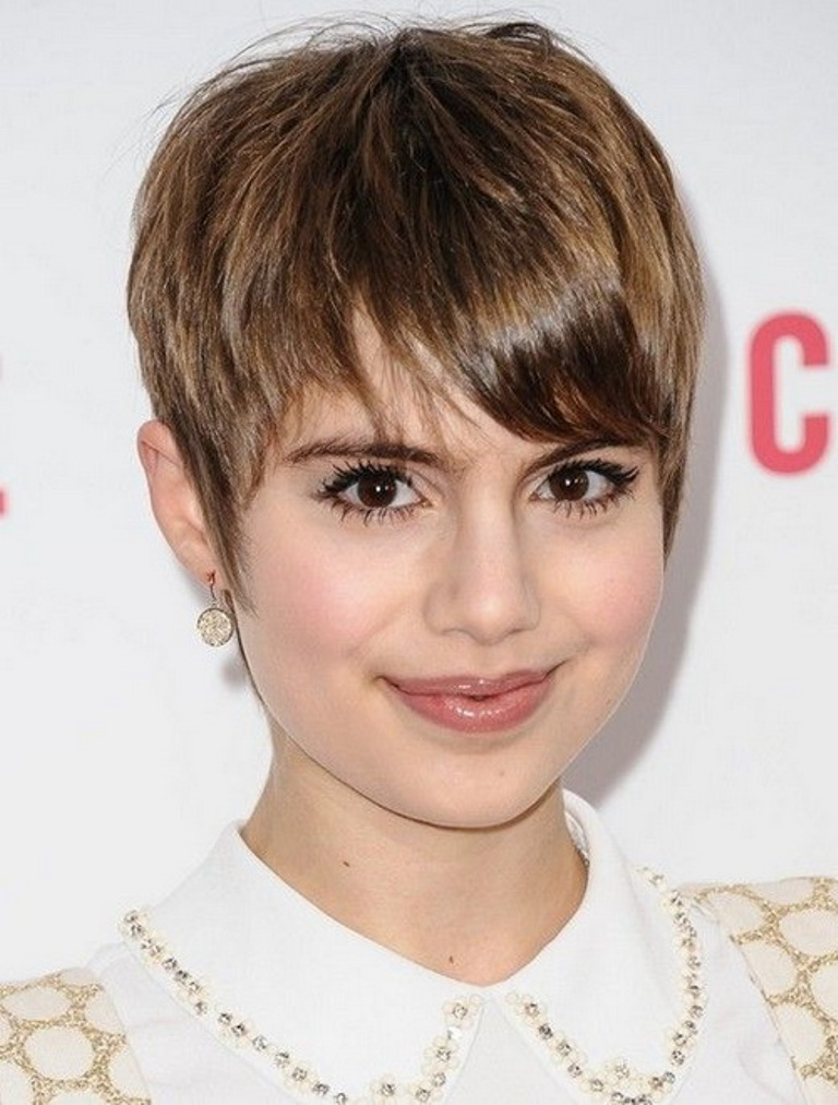 Short-Hairstyles-for-Round-Faces-2014. 25+ Short Hair Trends for Round Faces Chosen for 2020