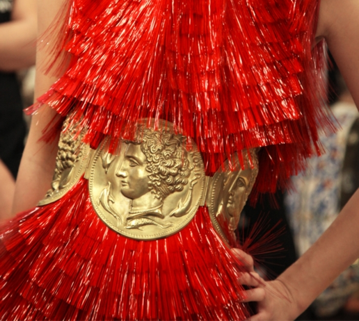 Spring-Summer-2014-accessories-trends-from-Dolce-and-Gabbana-collection-coins-bustier-belt Latest 15 Spring and Summer Accessories Fashion Trends