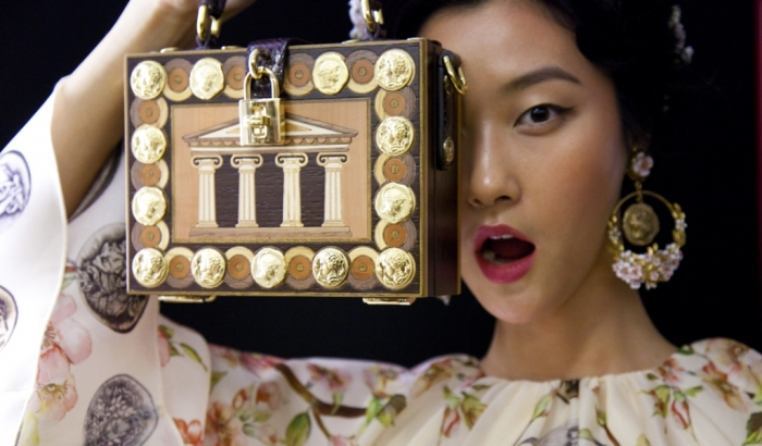 Spring-Summer-2014-accessories-trends-from-Dolce-and-Gabbana-collection-shoes-bags-jewellery Latest 15 Spring and Summer Accessories Fashion Trends