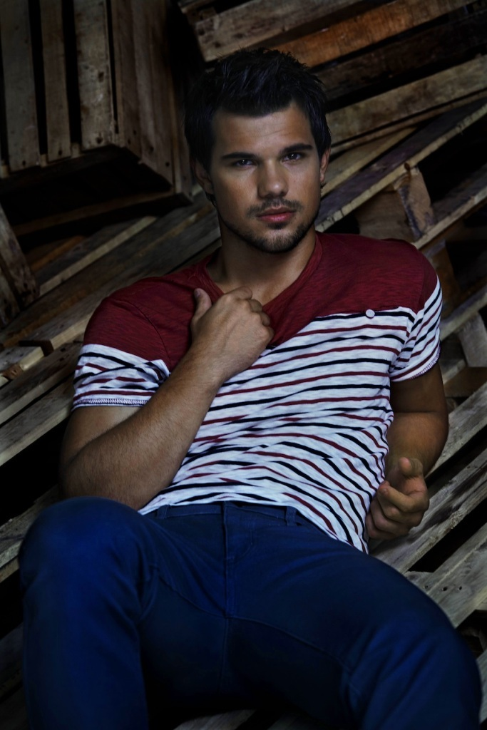 Taylor-Lautner_MG_9937_Final Top 15 Celebrity Men's Fashion Trends for Summer