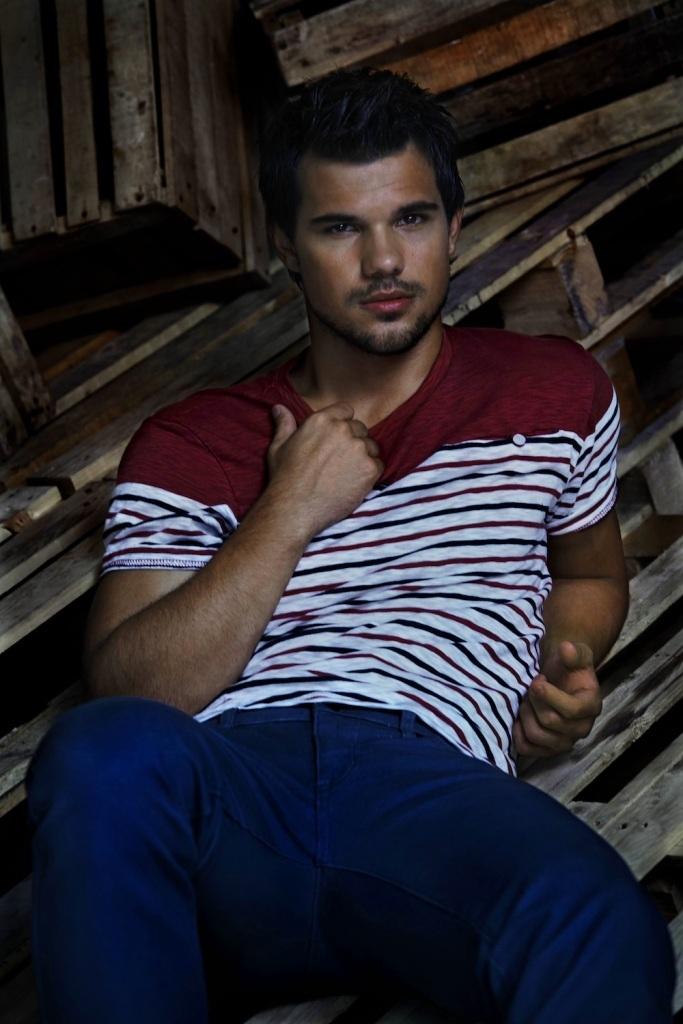 Taylor-Lautner_MG_9937_Final Top 15 Celebrity Men's Fashion Trends for Summer 2019