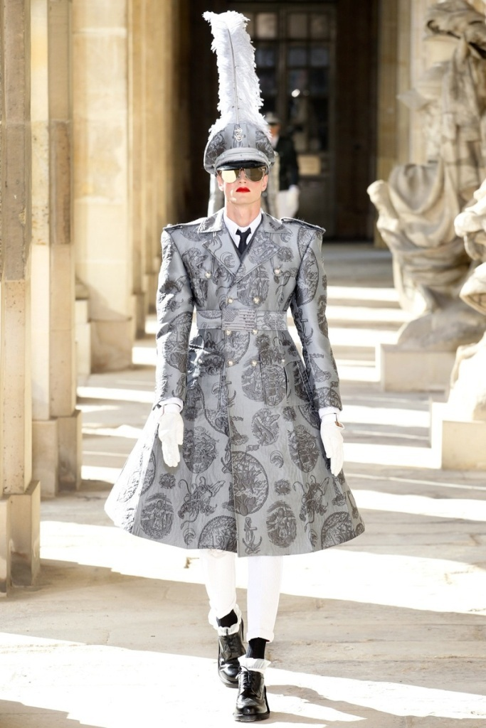 Thom-Browne-Spring-Summer-2014-Menswear-Show-2 20+ Hottest Military Clothing Fashion Trends for 2020