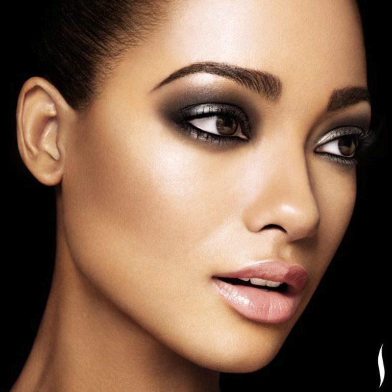 Valentines-Day-Date-Soft-Romantic-Makeup-FAB-Magazine-61 Top 15 Beauty Trends that Men Hate
