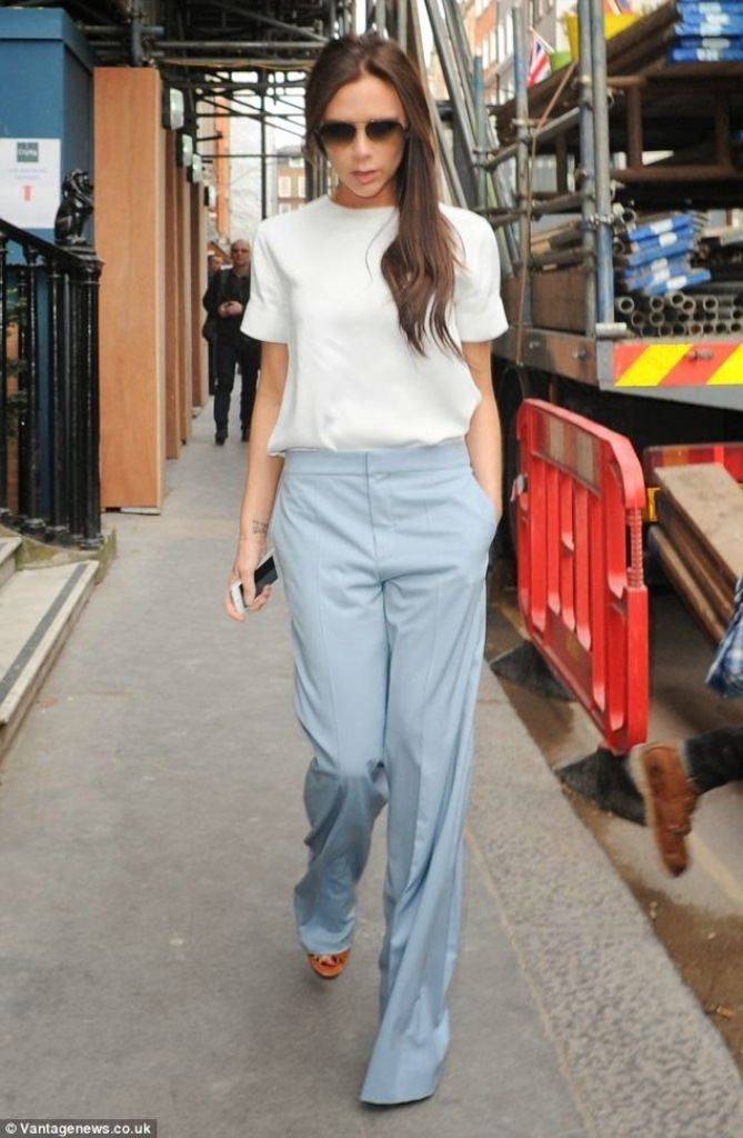 Victoria-Beckham-in-London-Spring-2014 Top 10 Celebrity Casual Fashion Trends for 2019