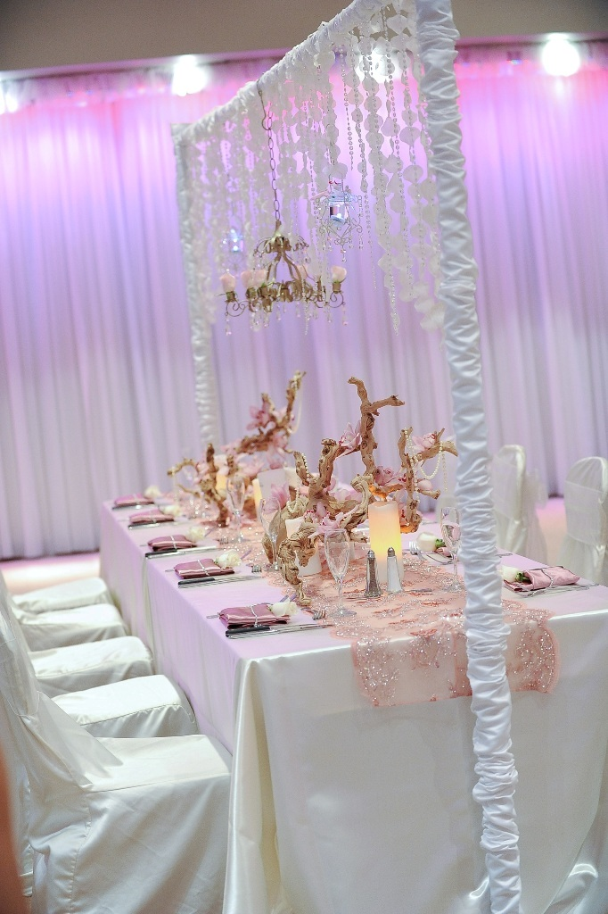 Wedding-Chandalier1 Latest 20 Wedding Trends That All Couples Should Know