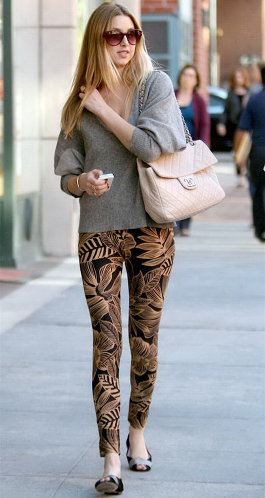 Woman-Fashions-Tips-of-Casual-Leggings Top 10 Celebrity Casual Fashion Trends for 2020