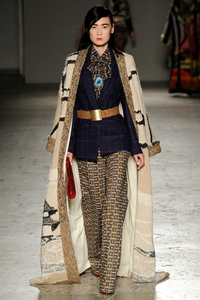 Womens-Blazers-and-Jackets-For-2014-2015-Best-Catwalk-Looks-6 20 Elegant Jacket & Coat Trends for Fall & Winter 2020