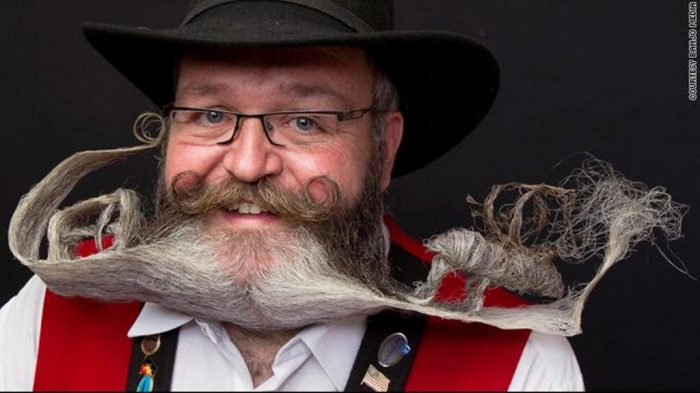 beard1 25 Crazy and Bizarre Beard and Moustache Styles