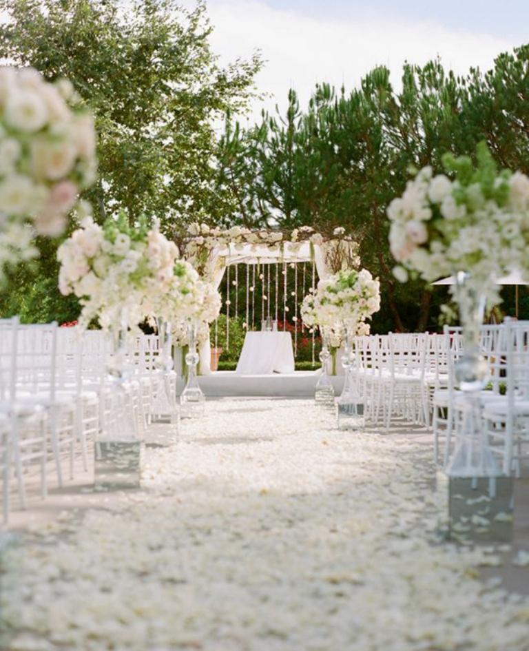 beautiful-outdoor-wedding-venue-decor-4 25+ Best Wedding Decoration Ideas in 2019