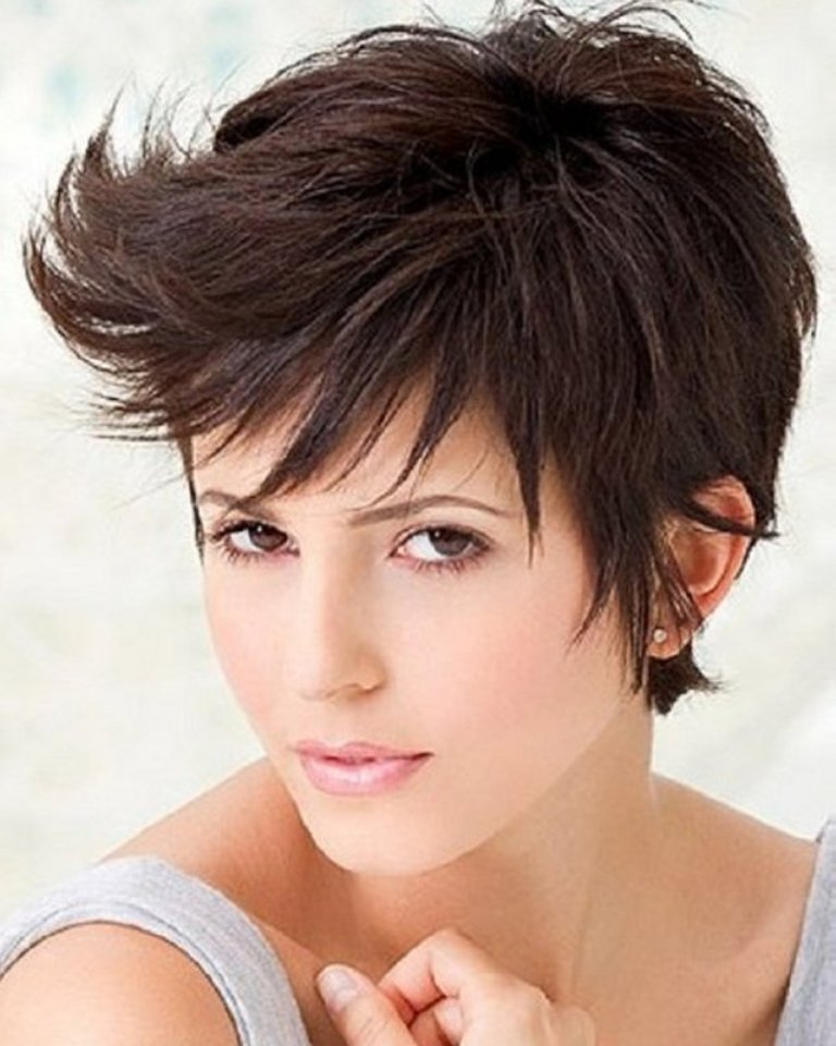 best-short-haircuts-for-women-with-round-faces 25+ Short Hair Trends for Round Faces Chosen for 2020