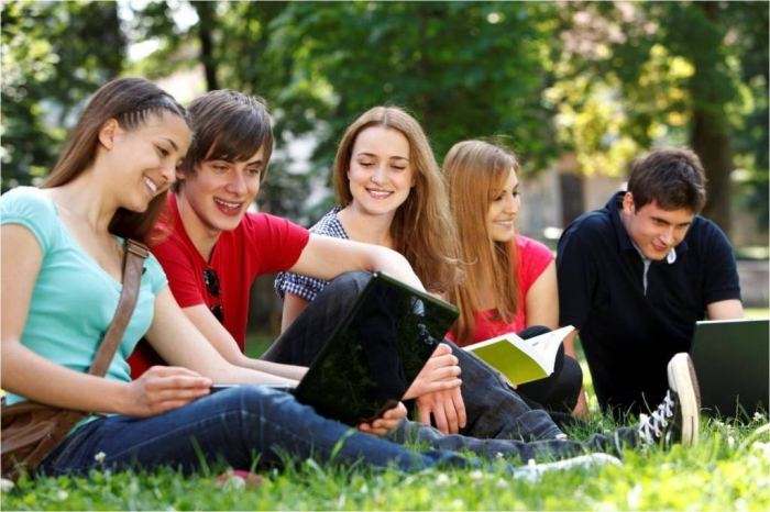 college-students-awesome 2014 Biggest College Board Trends in College Pricing
