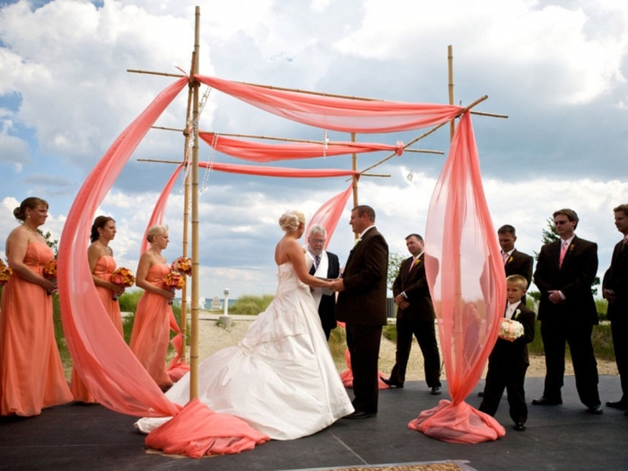 coral-wedding-theme-2 Top 10 Modern Color Trends for Weddings Planned in 2019