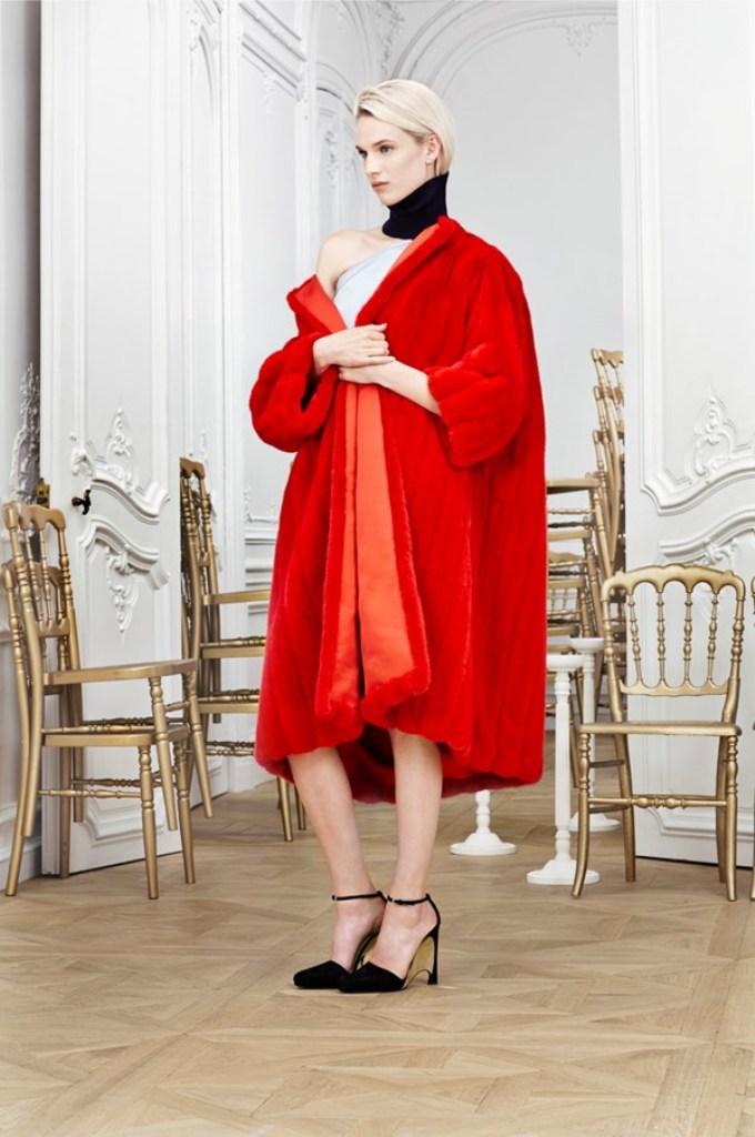 dior-19_rdxq 20 Elegant Jacket & Coat Trends for Fall & Winter 2020