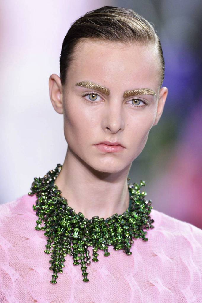 dior-ss14-accessories-trends-crystal-and-color-006-Christian-Dior-42159462-lg Hottest 20 Necklace Trends for Summer 2017