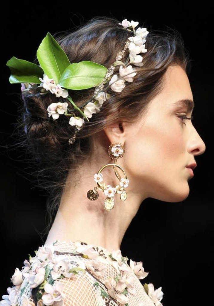dolcegabbana-coins-floral-ss2014-jewelry-trends 20 Most Popular Summer 2017 Jewelry Trends
