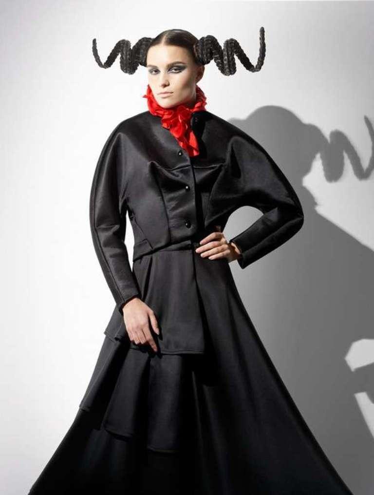 fashion-victim-alexandra-zaharova-ilya-plotnikov 25 Funny and Crazy Hairstyles to Change Yours
