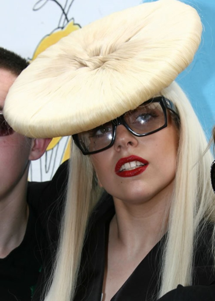 gaga_001 20 Weird and Funny Celebrity Hairstyles