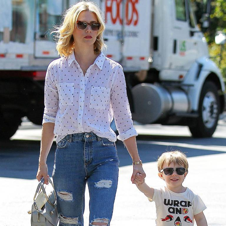 hbz-celeb-denim-january-jones-promo-xln Top 10 Celebrity Casual Fashion Trends for 2020