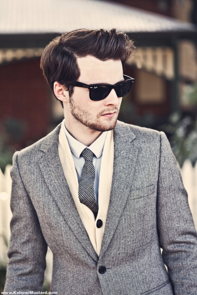 herringbone-blazer-men-style-sunglasses-ray-ban-fashion-tie 80's Fashion Trends for Men