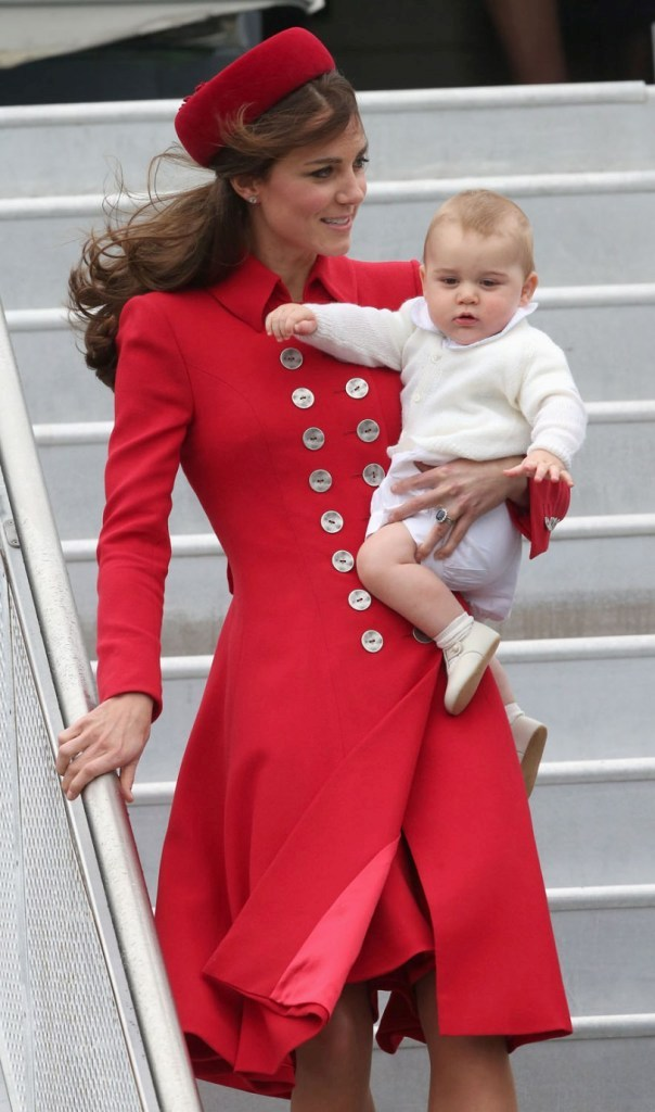kate-middleton-fashion-02 20+ Hottest Military Clothing Fashion Trends for 2021