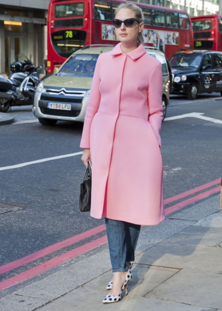 london-street-024212 20 Elegant Jacket & Coat Trends for Fall & Winter 2020