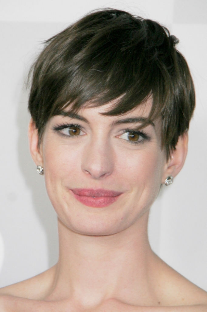 long-layered-haircuts-for-round-faces-2014-3 25+ Short Hair Trends for Round Faces Chosen for 2020