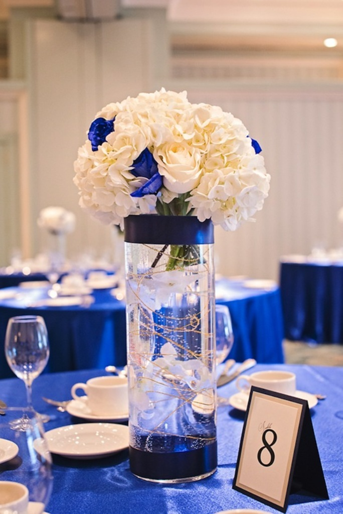 royal-blue-and-gold-wedding-decorations-g9kuoihh 25+ Breathtaking Wedding Centerpieces Trending For 2022